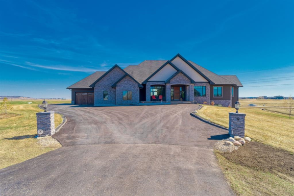 4 Windhorse Bay, Rural Rocky View County