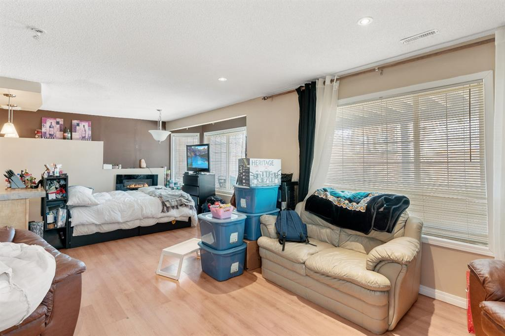 Listing A1098018 - Large Photo # 36