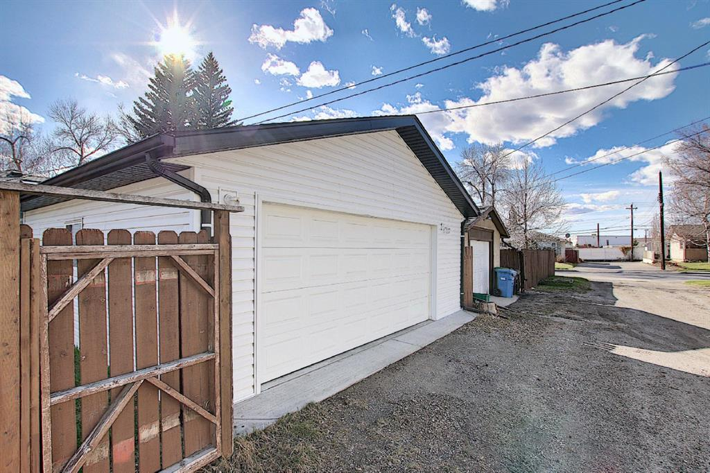Listing A1099342 - Thumbmnail Photo # 37