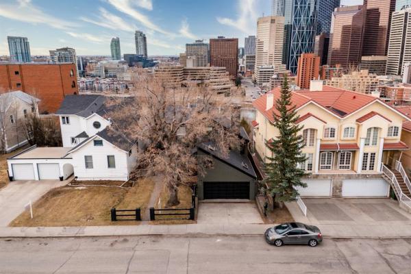 215 2 Avenue NE, Calgary