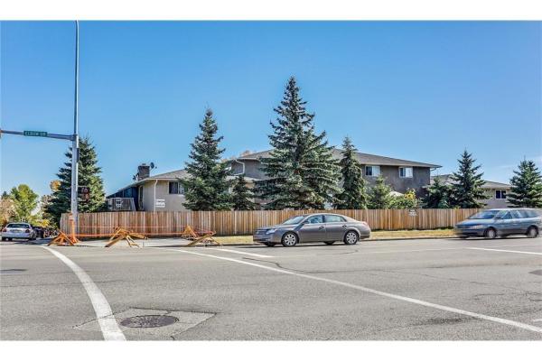 11404 ELBOW Drive SW, Calgary