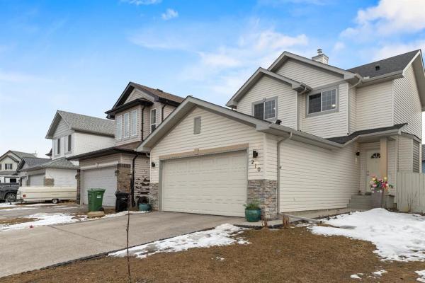 210 Saddlefield Place NE, Calgary