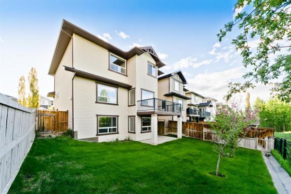 34 Crestbrook Hill SW, Calgary
