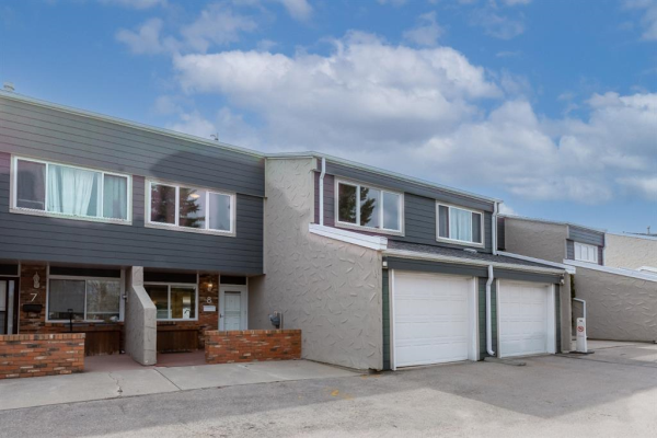 228 Theodore Place NW, Calgary