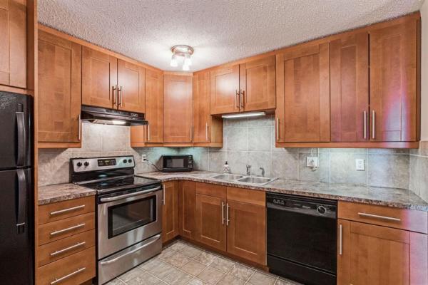 521 57 Avenue SW, Calgary