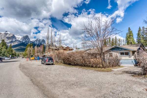 522 4th Street, Canmore