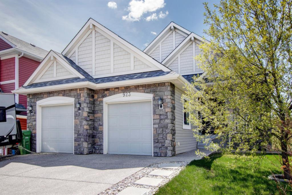 923 Bayside Drive SW, Airdrie