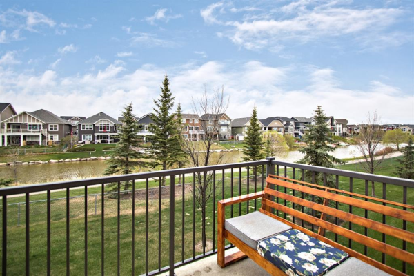 222 Bayside Point SW, Airdrie