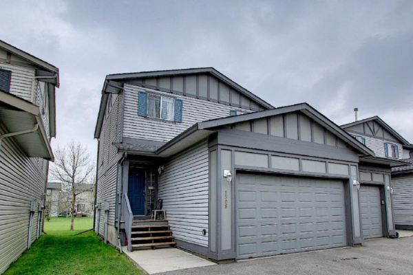 720 Willowbrook Road NW, Airdrie