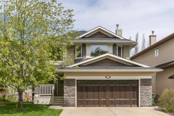 139 Crestmont Drive SW, Calgary
