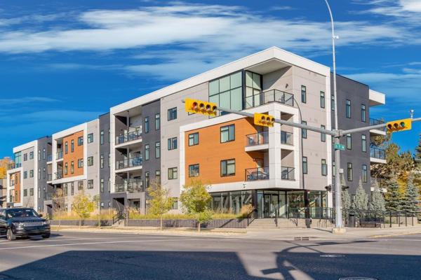 2702 17 Avenue SW, Calgary