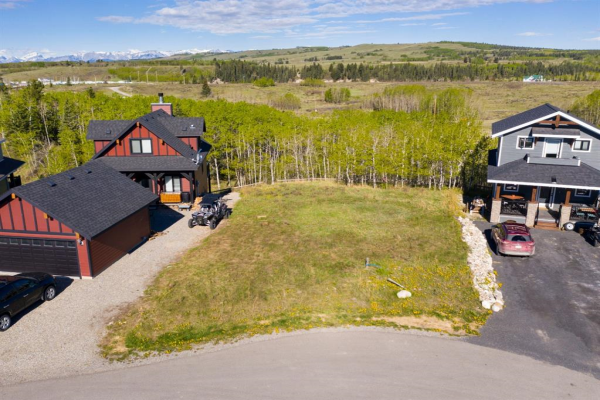 245 COTTAGECLUB Crescent, Rural Rocky View County