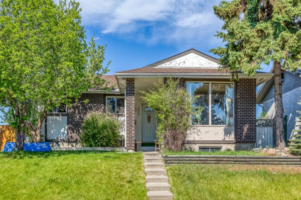 239 Malvern Close NE, Calgary