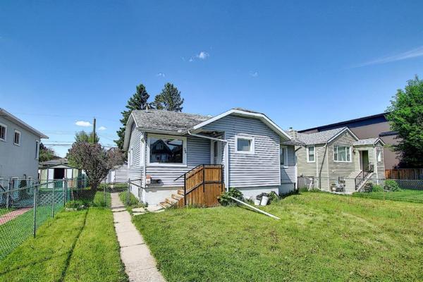 244 18 Avenue NE, Calgary