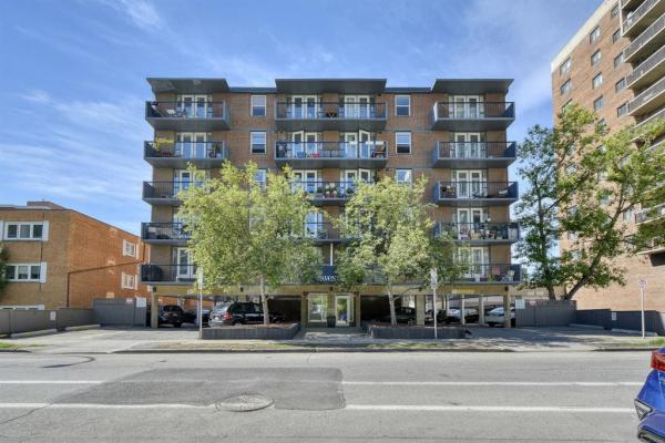 605 14 Avenue SW, Calgary