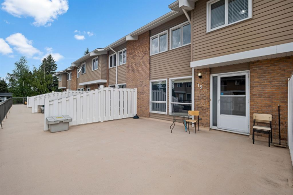116 Silver Crest Drive NW, Calgary