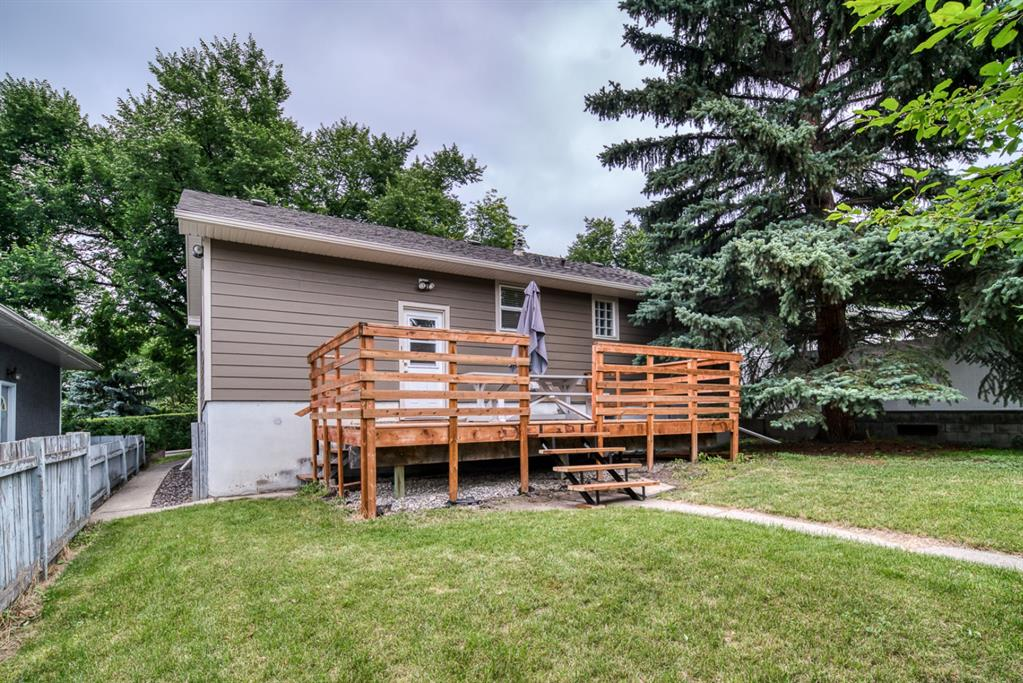 Listing A1120648 - Large Photo # 3