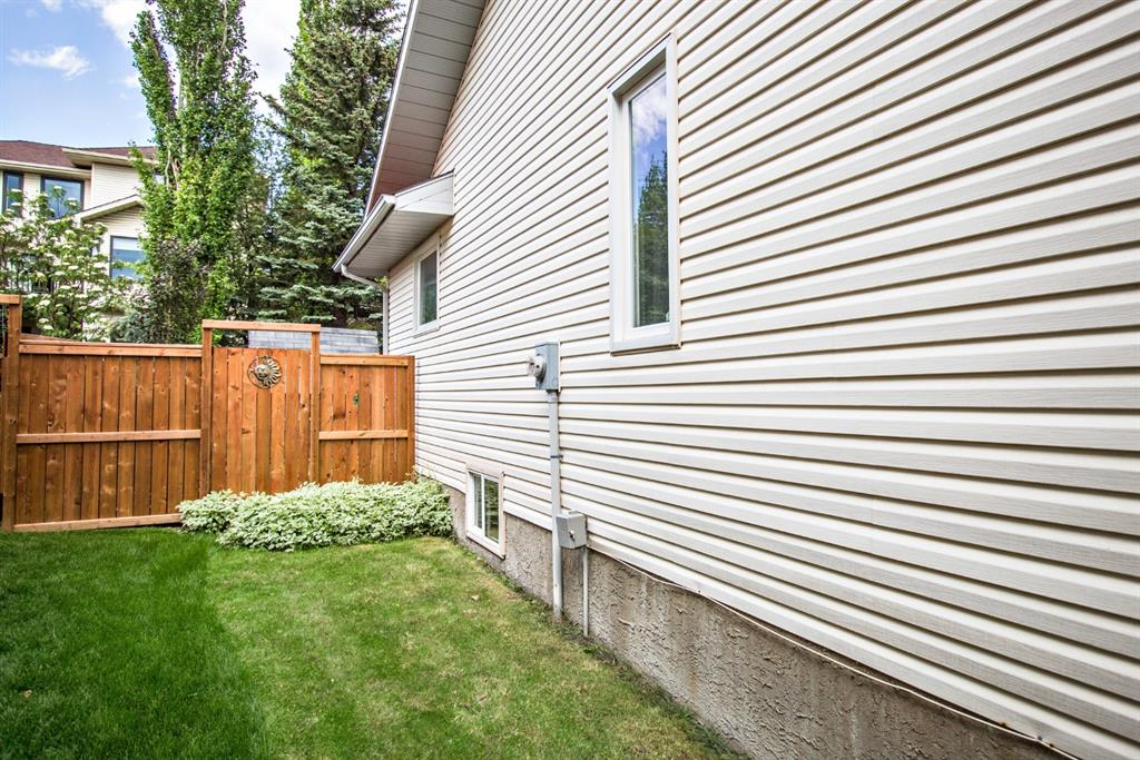 Listing A1121044 - Large Photo # 3