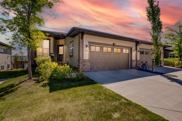300 Chinook Winds Place SW, Airdrie
