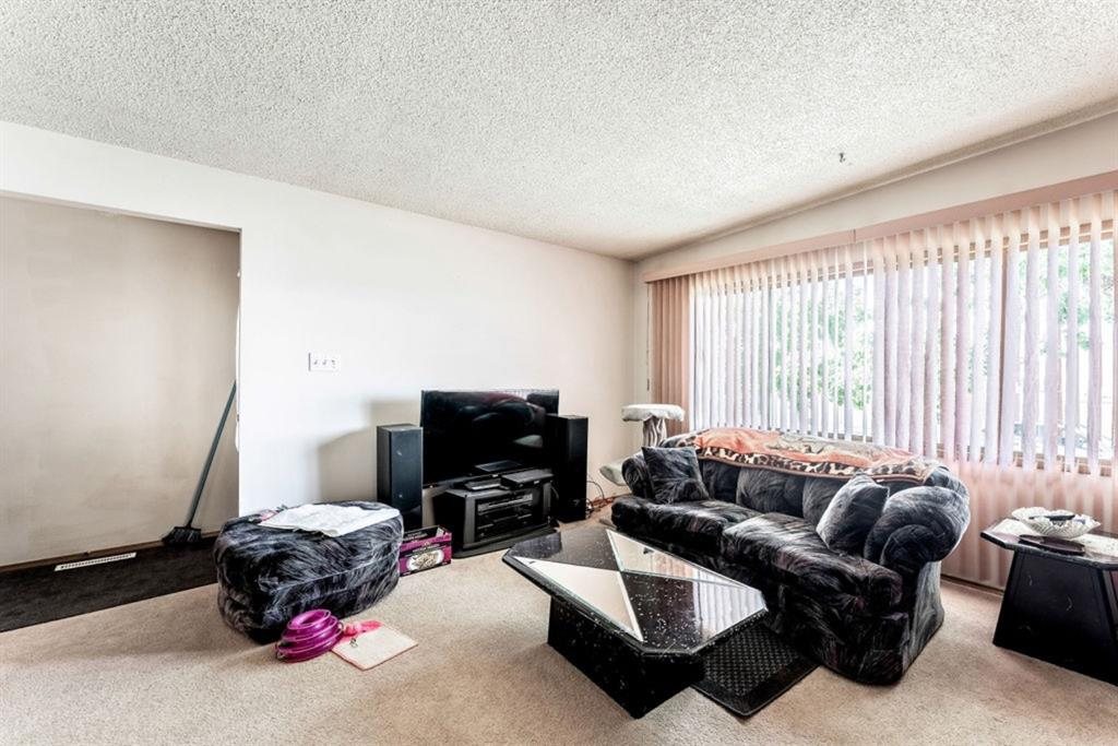 Listing A1121083 - Large Photo # 26