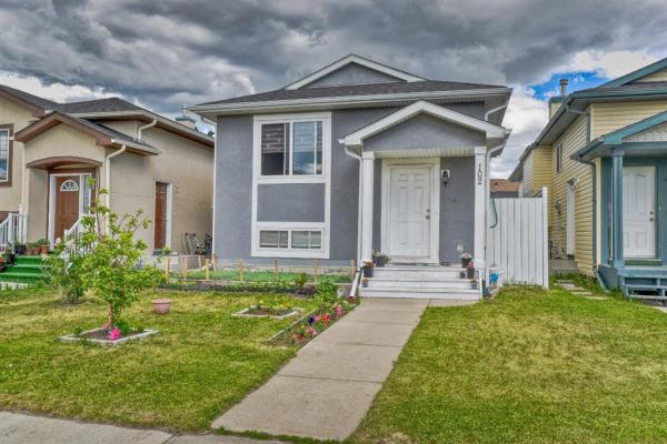 102 Taracove Estate Drive NE, Calgary