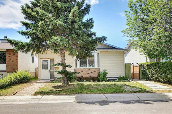 135 Rundlecairn Road NE, Calgary