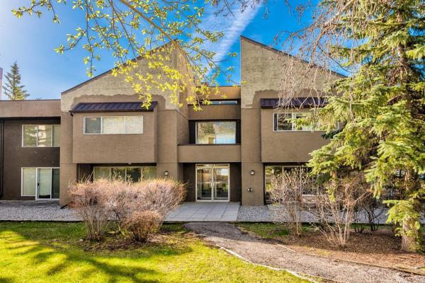 104 Village Heights SW, Calgary