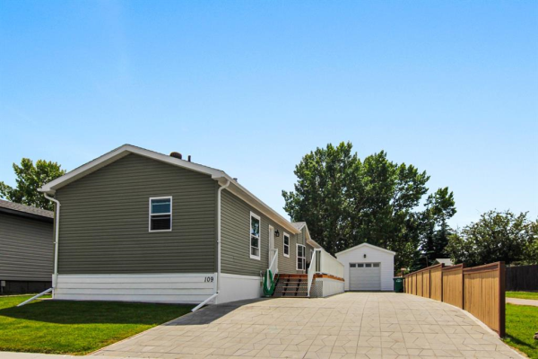 109 Big Hill Circle SE, Airdrie