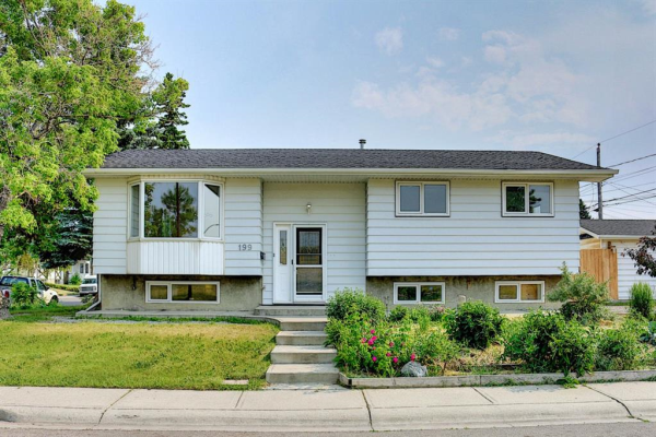 199 Marlyn Place NE, Calgary
