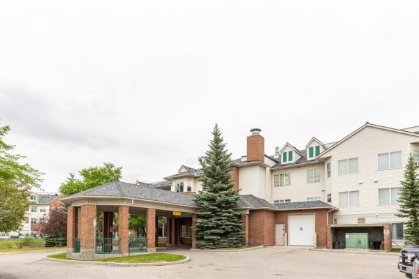 1920 14 Avenue NE, Calgary