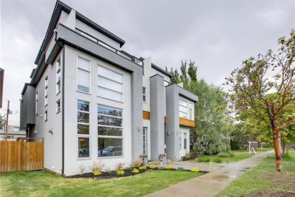 1932 Bowness Road NW, Calgary