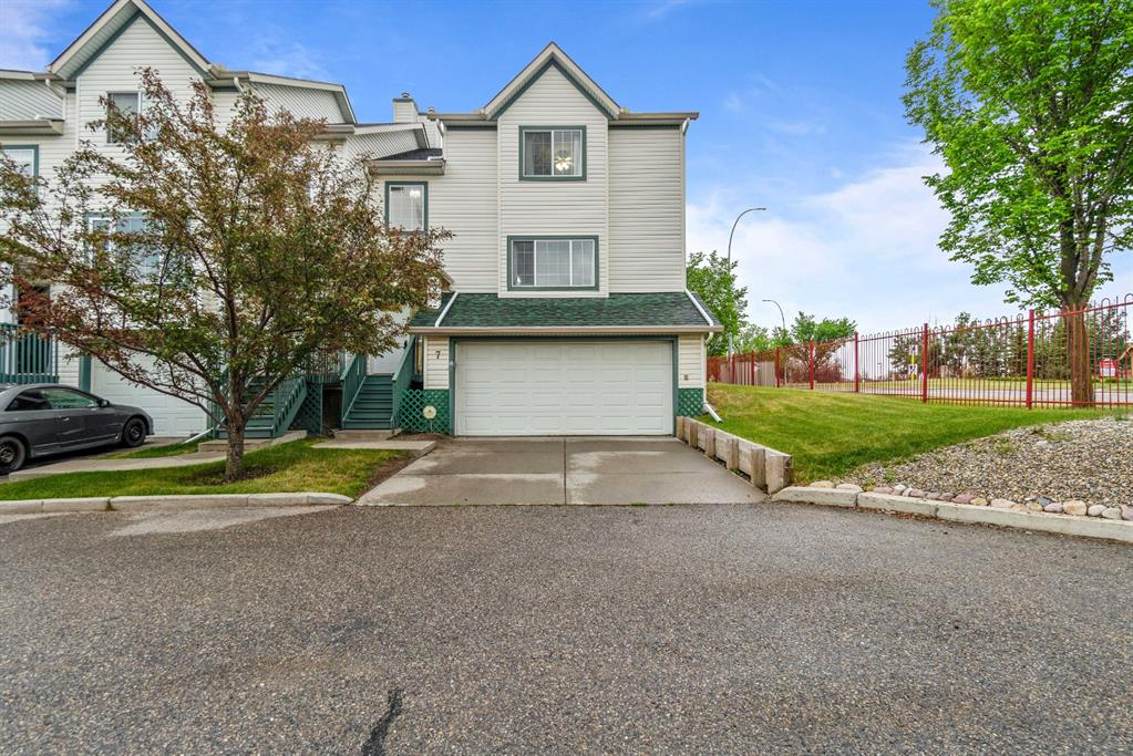 Listing A1127809 - Large Photo # 1
