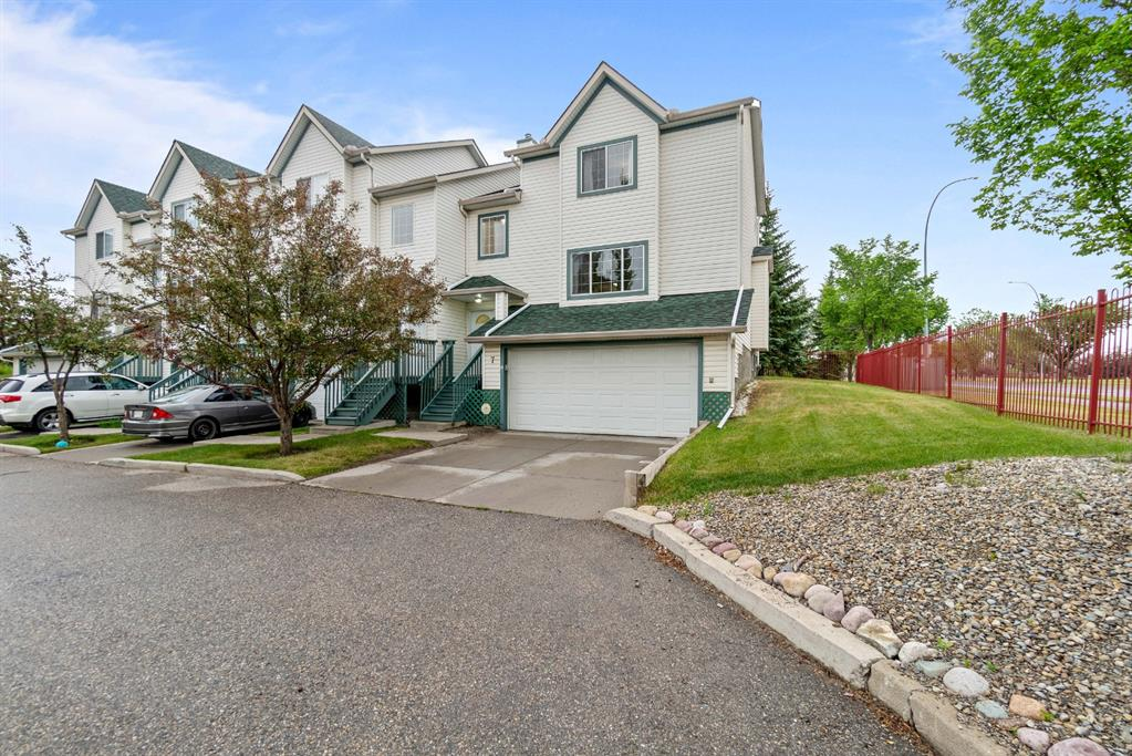 Listing A1127809 - Large Photo # 2
