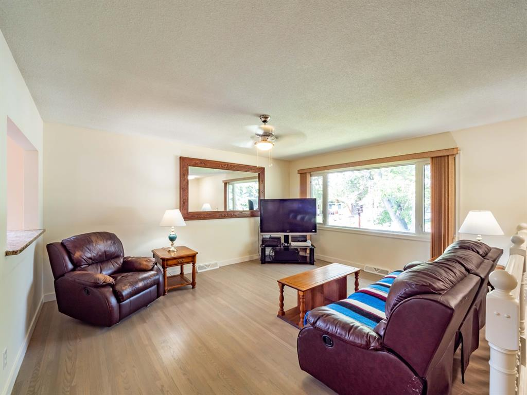 Listing A1128204 - Large Photo # 2