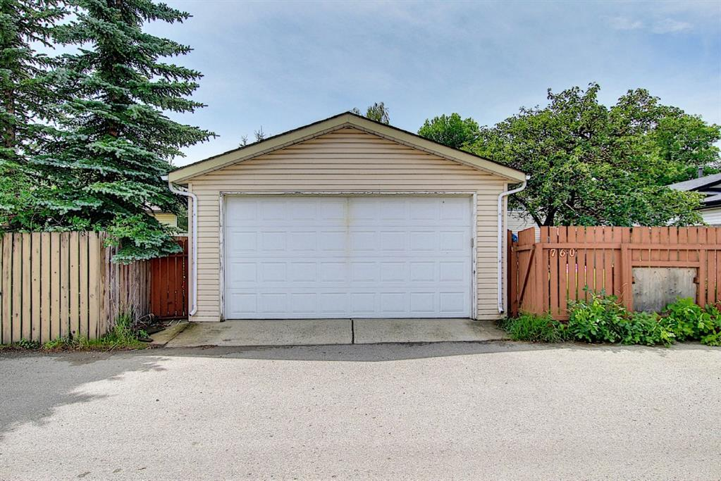 Listing A1128949 - Large Photo # 13