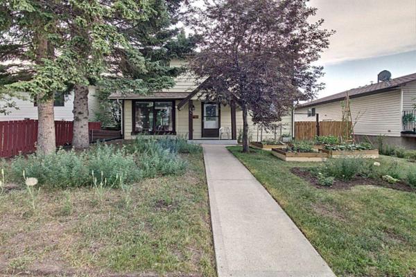 40 Falconridge Close NE, Calgary