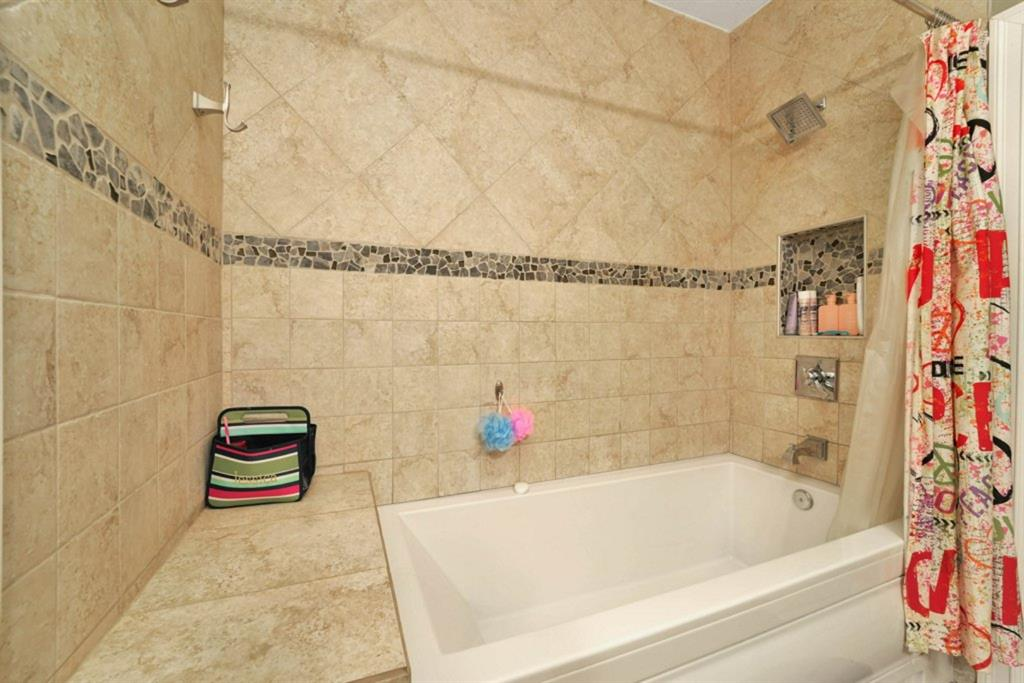 Listing A1129910 - Large Photo # 31