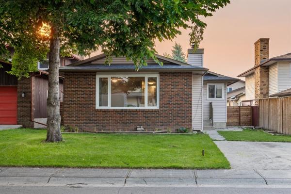 183 Templeton Circle NE, Calgary