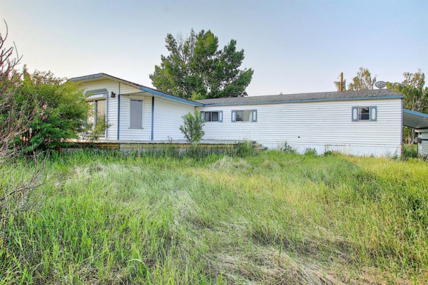256129 498 Avenue E, Rural Foothills County