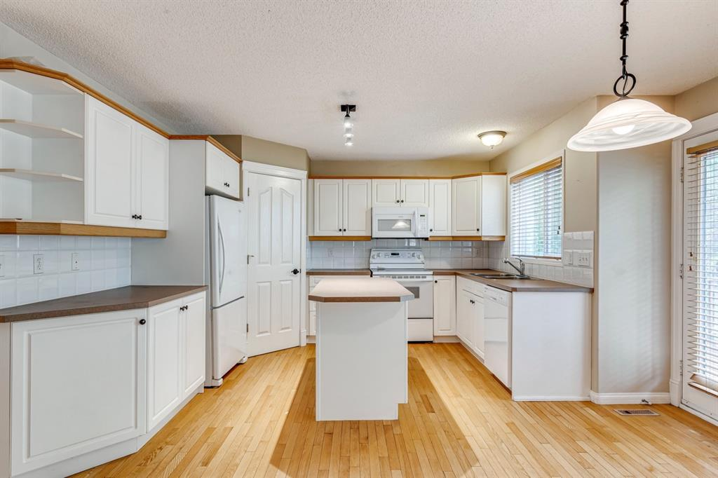 Listing A1130724 - Large Photo # 13