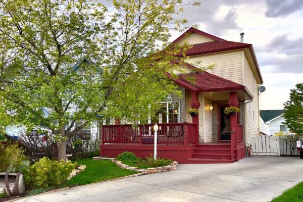 274 Fresno Place NE, Calgary