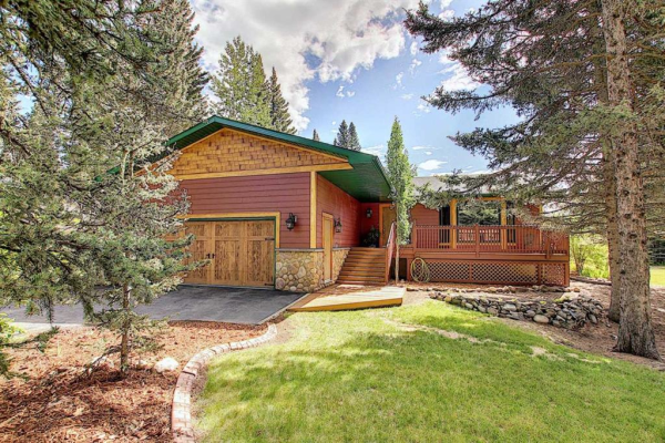 3 Redwood Meadows Court, Rural Rocky View County