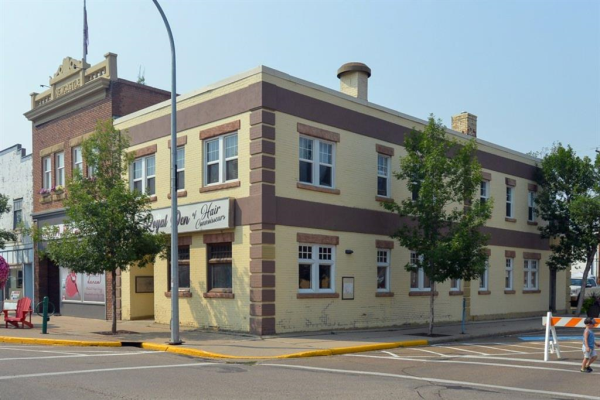 10 3 Avenue W, Drumheller