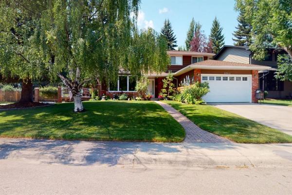 8963 Bay Ridge Drive SW, Calgary