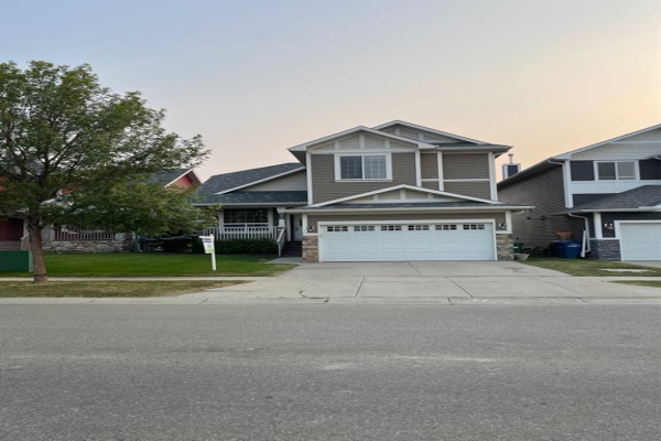 1015 Bayside Drive SW, Airdrie