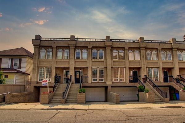 1715 College Lane SW, Calgary