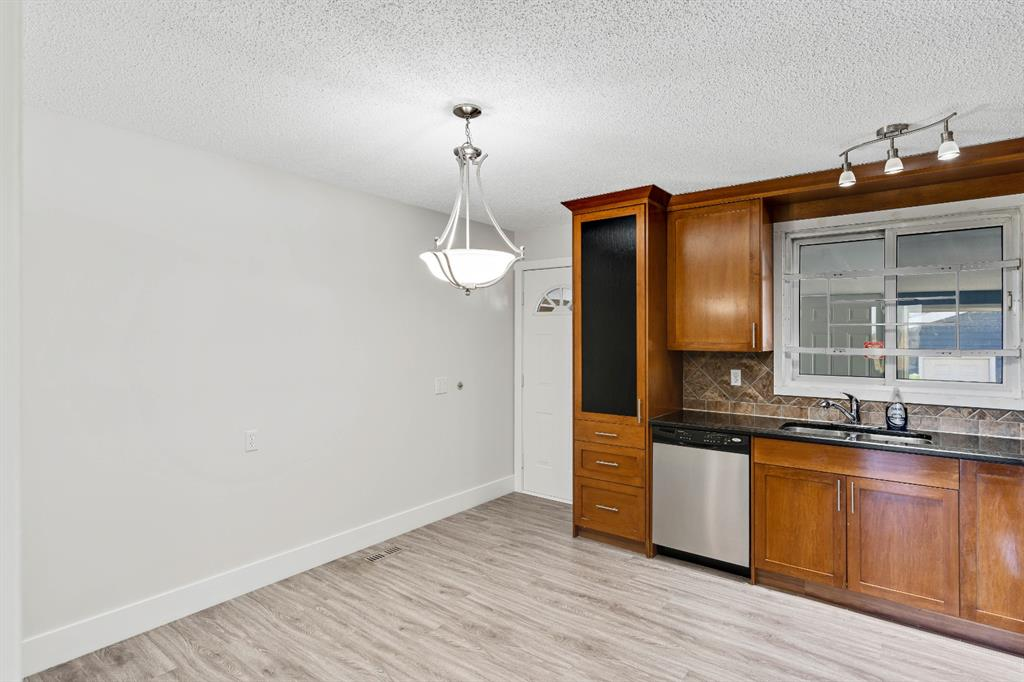 Listing A1135118 - Large Photo # 9