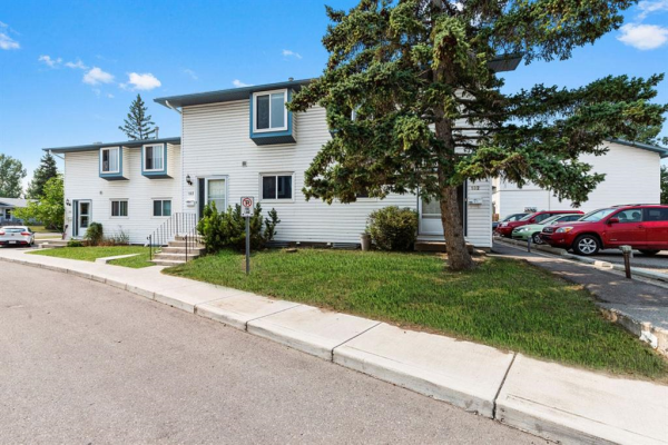 4810 40 Avenue SW, Calgary