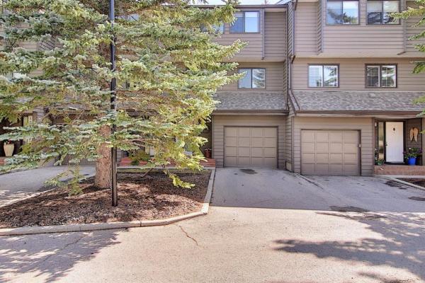 3240 66 Avenue SW, Calgary