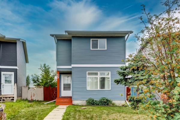 13 Martinridge Place NE, Calgary